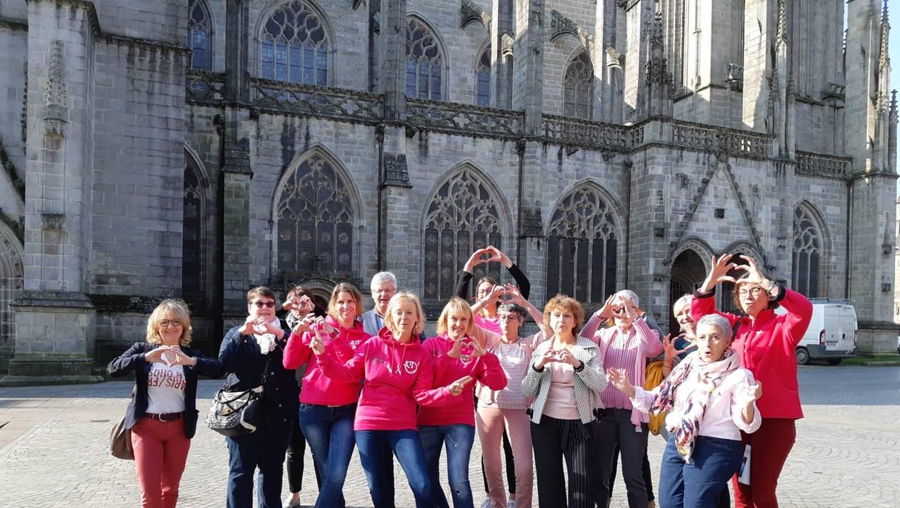 quimper-mille-femmes-en-rose-vont-courir-contre-le-cancer-lakemperose